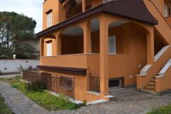 A/99 – Anzio Villa Claudia   € 160.000,00