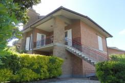 A02- Anzio Villa Claudia affitto € 600,00
