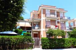 A/94 – Lavinio Corso San Francesco     €  179.000,00