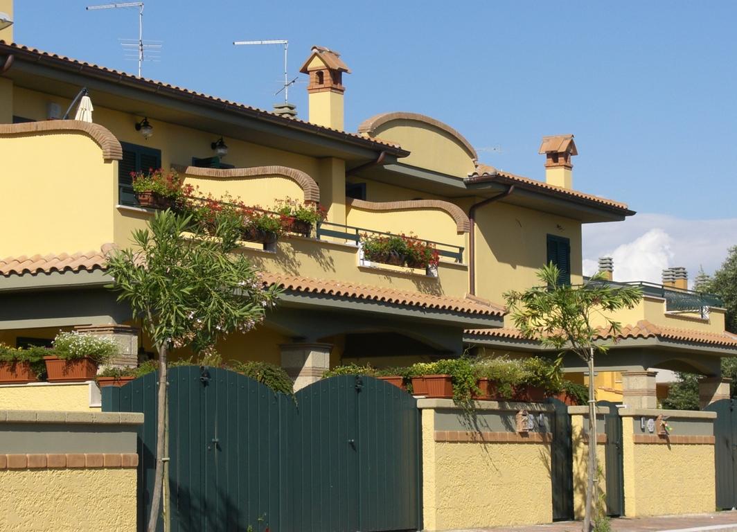 C/10 – Anzio Lavinio Via Gozzi Villino    € 160.000,00